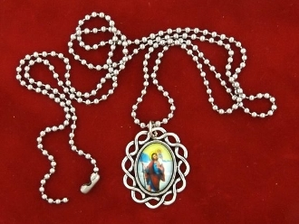 "OVER 50 CUSTOM SILVER SAINT MEDALS WITH COLOR PICTURE .. Catholic Saints Jesus Mary Etc in Full Color Picture- 3.0 X 2.5 cm. and Pendant.1.8 X 1.3 cm Classic Catholic oil painting design under Glass ON 22"" STAINLESS STEEL BALL CHAIN"